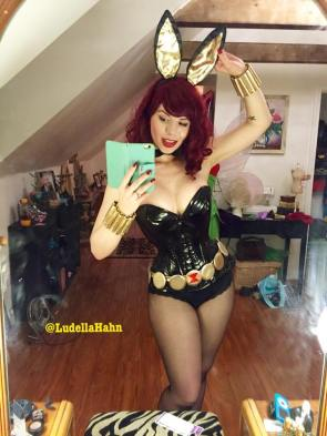 20150902-PinUp_LudellaHahn_012